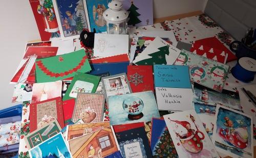 Ikäihmisille yli 300 joulukorttia