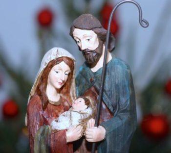 Kuvassa Maria, Joosef ja Jeesus-lapsi