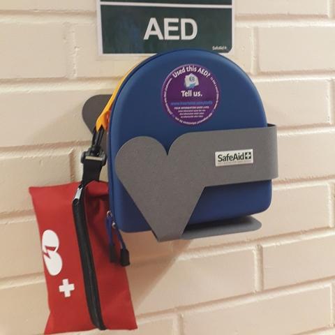 Lisää defibrillaattoreita